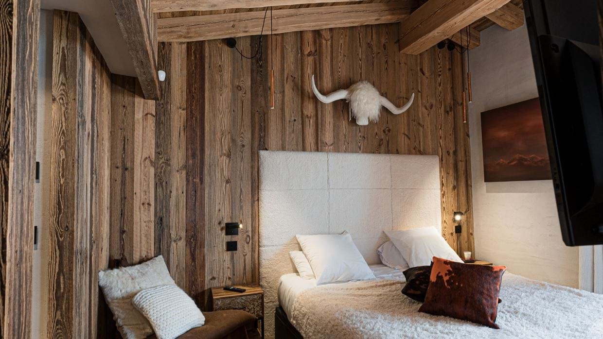 Chalet_Orca_Val_DIsere_Oxford_Ski_Luxury_Chalet_Room_3.jpg