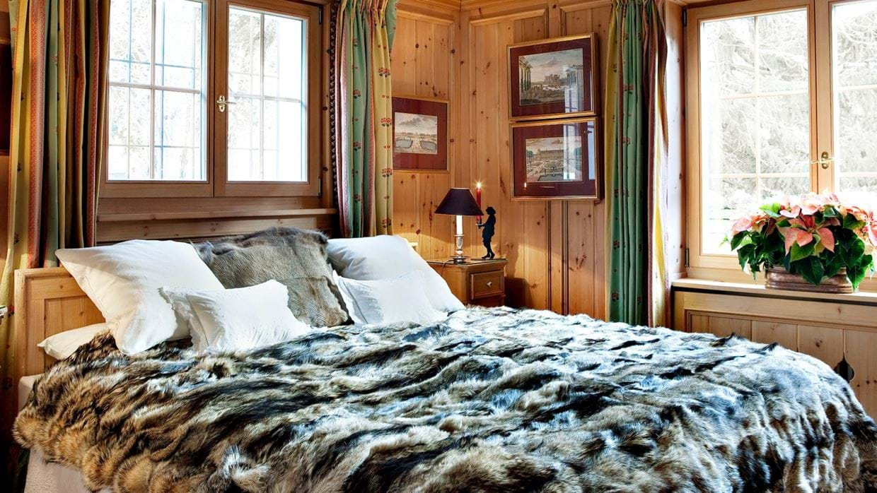 chalet_maldeghem_klosters_oxford_ski_luxury_chalets_bedroom3.jpg