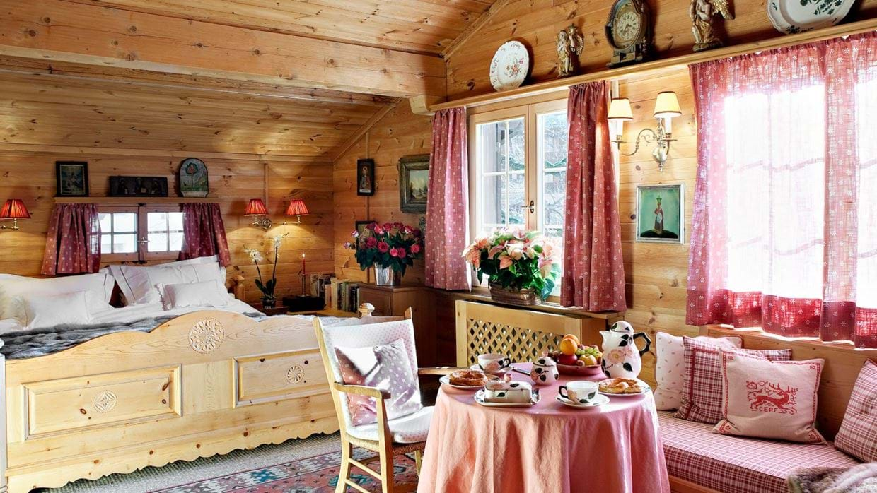 chalet_maldeghem_klosters_oxford_ski_luxury_chalets_bedroom5.jpg