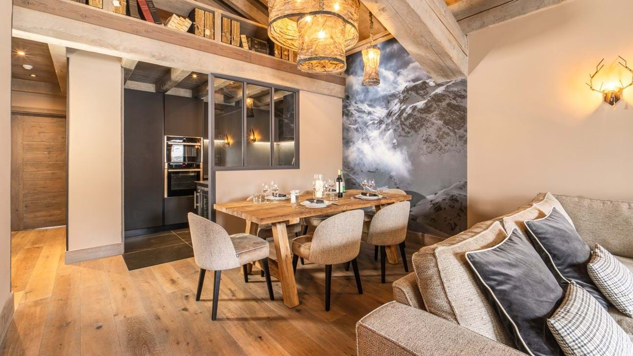luxury_ski_chalet_oxford_ski_aspen_house_loft_dining.jpg