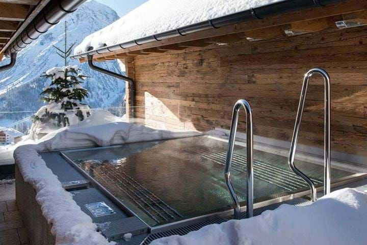 Top ten must haves for a luxury ski chalet