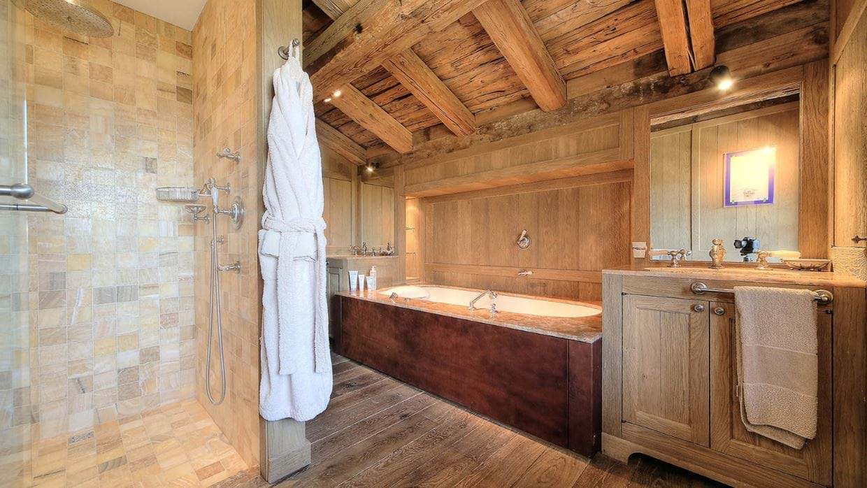 luxury_megève_france_chalet_izoard_oxford_ski_bathroom1.jpg