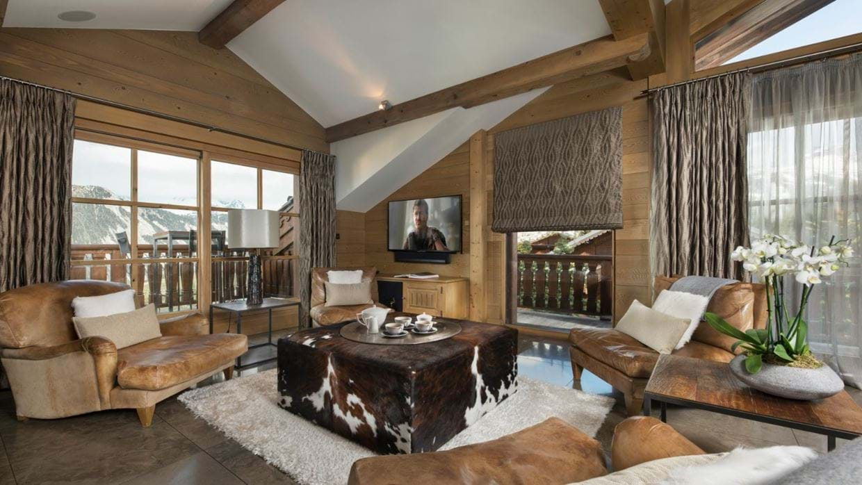 Luxury-ski-chalet-courchevel-chalet-le-blanchot-oxford-ski-living3.jpg