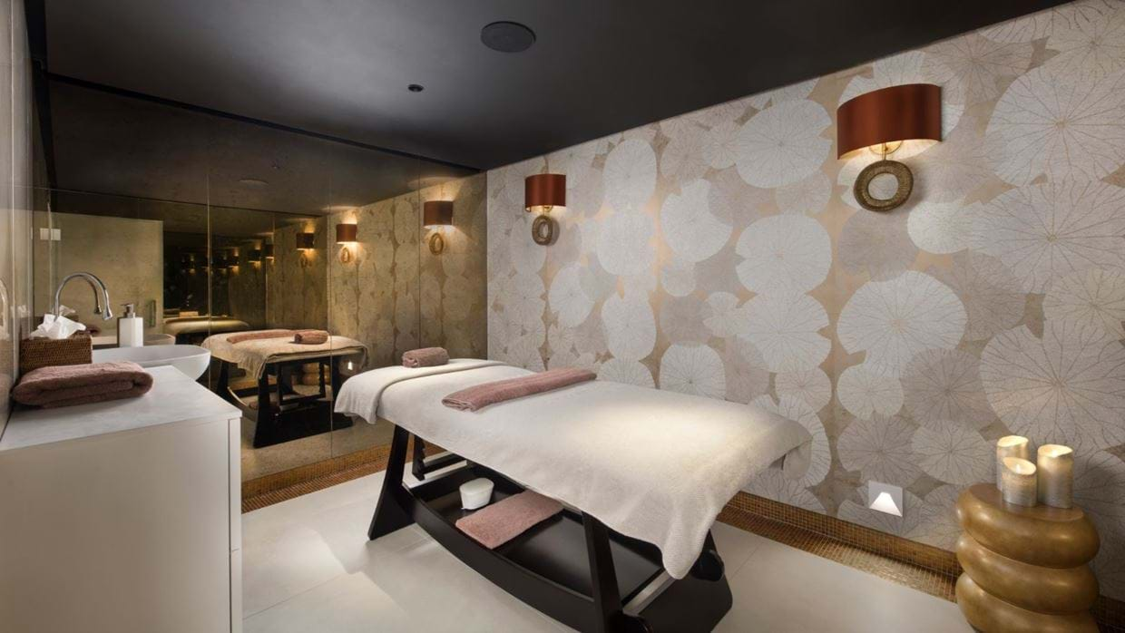 Luxury-ski-chalet-courchevel-chalet-le-blanchot-oxford-ski-massage.jpg