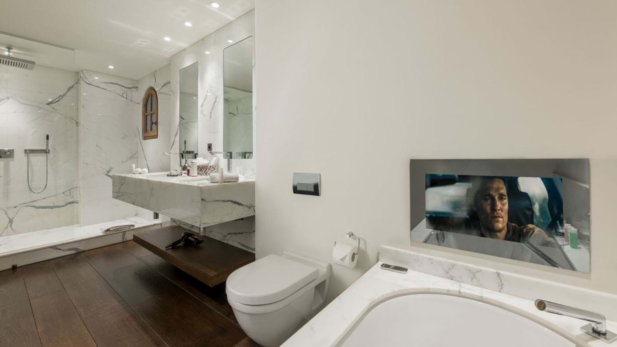 Luxury-ski-chalet-courchevel-chalet-le-blanchot-oxford-ski-bath.jpg