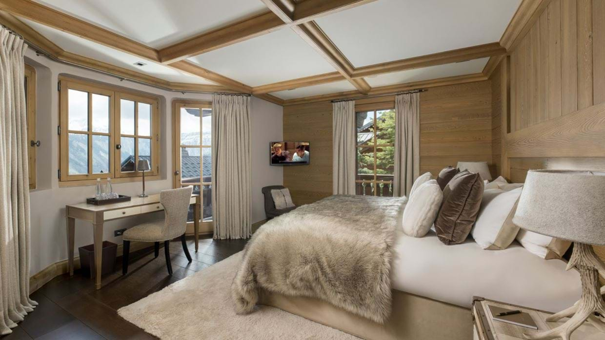 Luxury-ski-chalet-courchevel-chalet-le-blanchot-oxford-ski-bedroom2.jpg