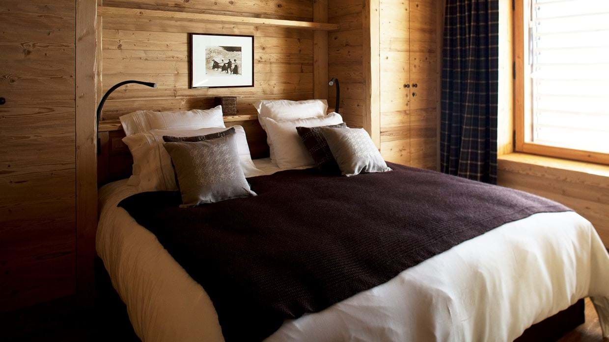 Luxury-Ski-Chalet-Meribel-SHL-Oxford-Ski-Bedroom3.jpg