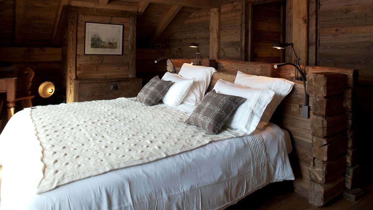 Luxury-Ski-Chalet-Meribel-SHL-Oxford-Ski-Bedroom.jpg