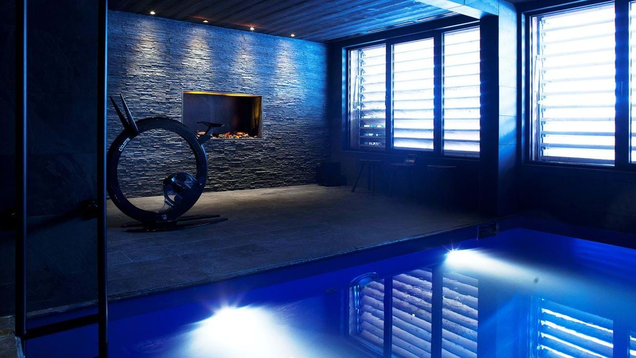 Luxury-Ski-Chalet-Meribel-SHL-Oxford-Ski-Pool.jpg