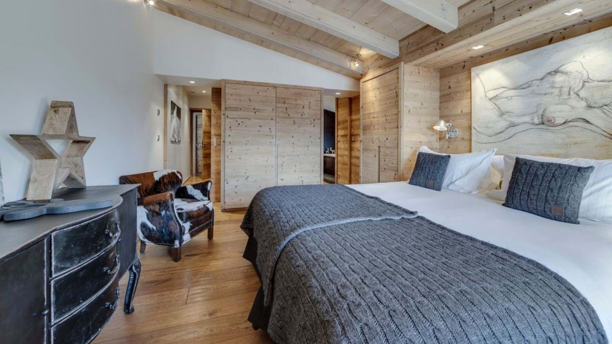 luxury-ski-chalet-tignes-refugev-oxford-ski-bedroom5.jpg