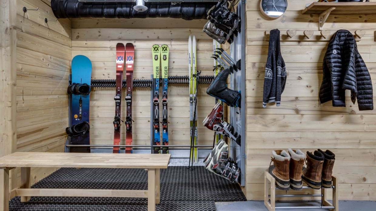 luxury-ski-chalet-tignes-refugev-oxford-ski-boot-roo.jpg