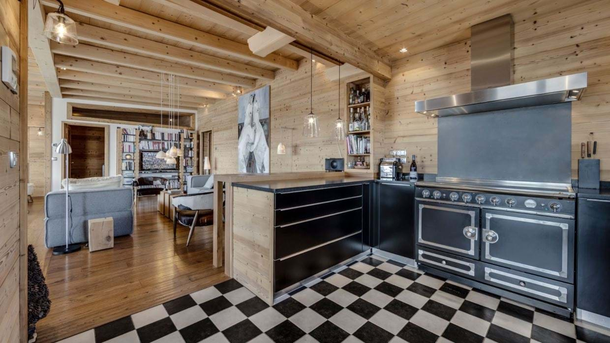luxury-ski-chalet-tignes-refugev-oxford-ski-kitchen.jpg